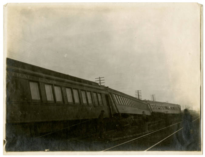 007- [New York Central Lines Train Accident] In the Boston